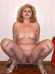 Squatting, Squat, Russian amateur, Russian mature, Lady, Russian milf