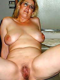 Milf slut, Unaware, Expose wife, Amateur mature, Exposed, Slut wife