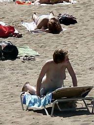 Teen beach, Beach voyeur