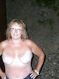 За жену, Жену друзья, Жена голая
