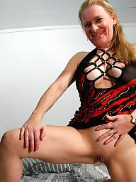 Amateur mature, Mature mom, Moms, Young amateur, Young mom, Mom