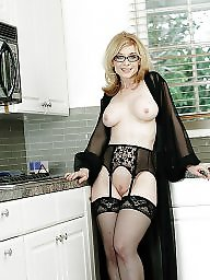 Mature stockings, Nylon mature, Mature nylons, Mature stocking, Mature nylon