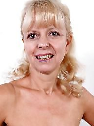 Blond mature, Amateur mature