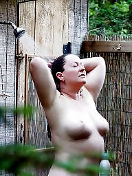 Housewife, Mature shower