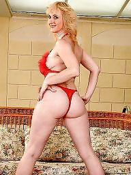 Mature big ass, Big dildo, Mom ass, Moms, Big ass, Mature mom